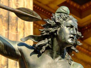 Bildhauerei und Skulpturen
